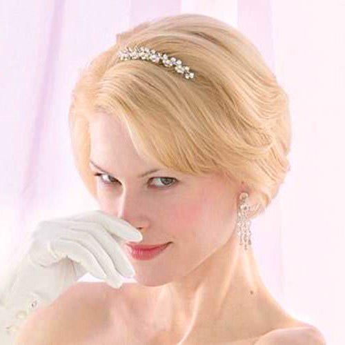 Прическа на свадьбу к подруге для коротких волос