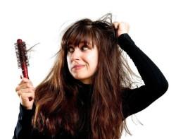 Причины выпадения волос у девушек: почему выпадают ваши волосы